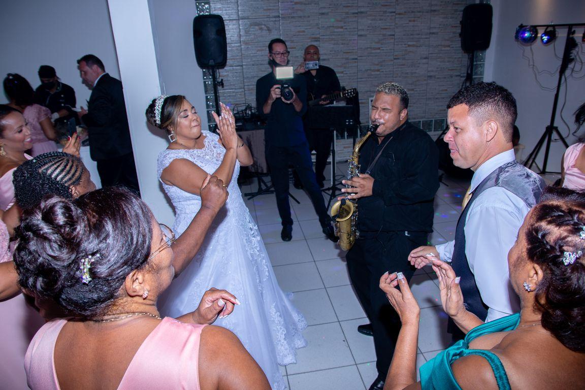 Elizabeth & Roberto - Wedding (35).jpg