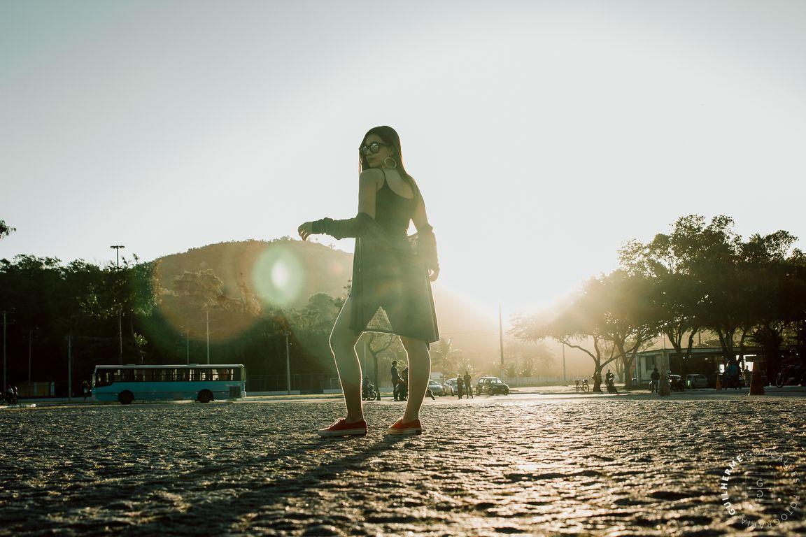 no por do sol em Vila Velha olhando para o mar